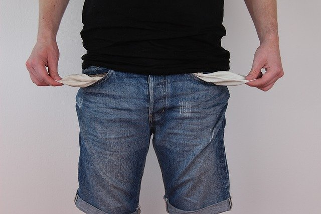 vytažené kapsy