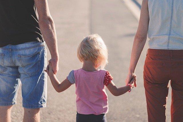 procházka s dcerkou