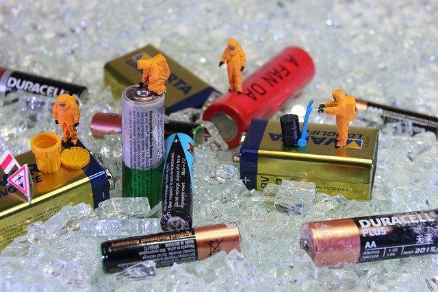 různé druhy baterií